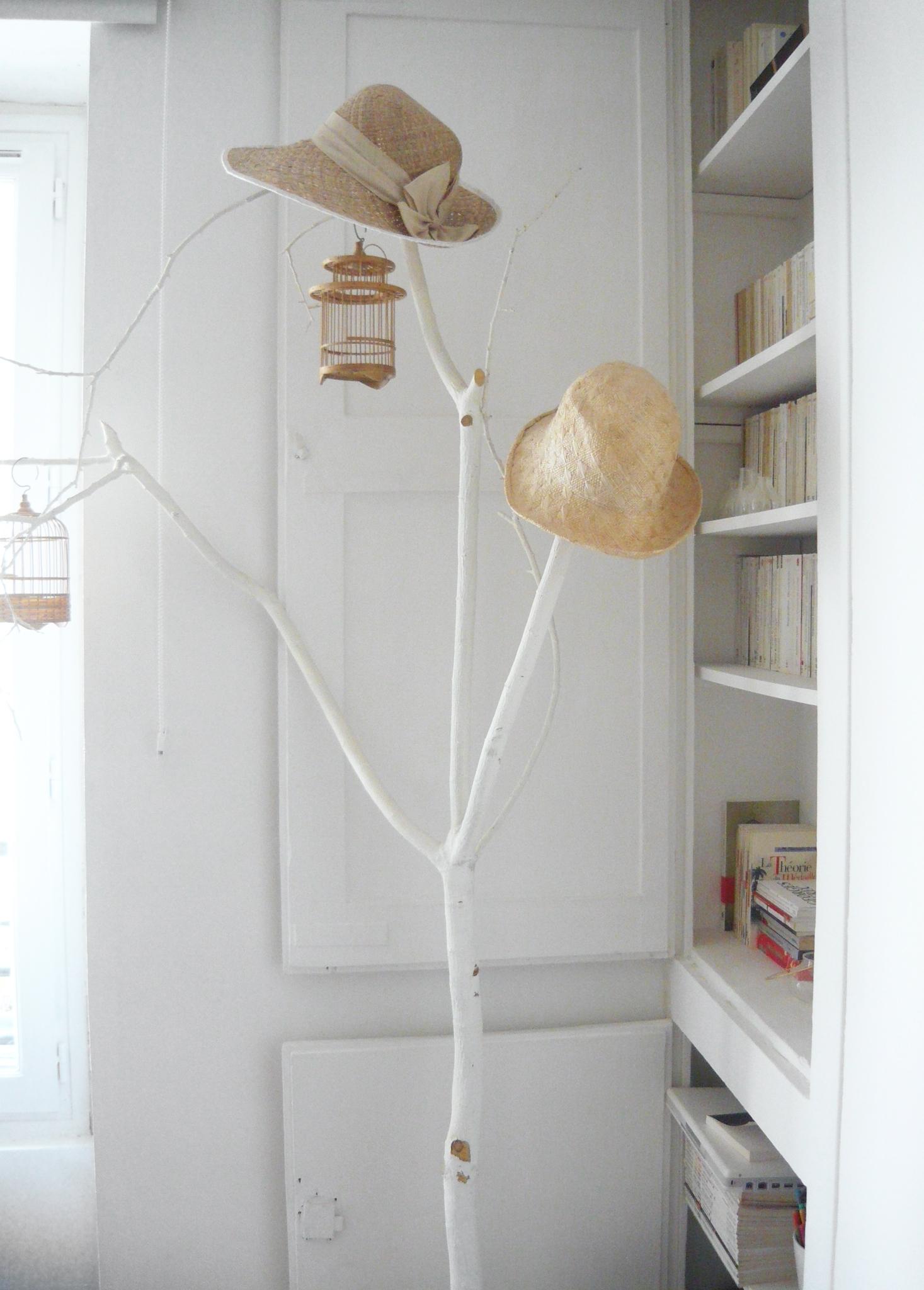 branche d co peinte en blanc la parenth se d co. Black Bedroom Furniture Sets. Home Design Ideas