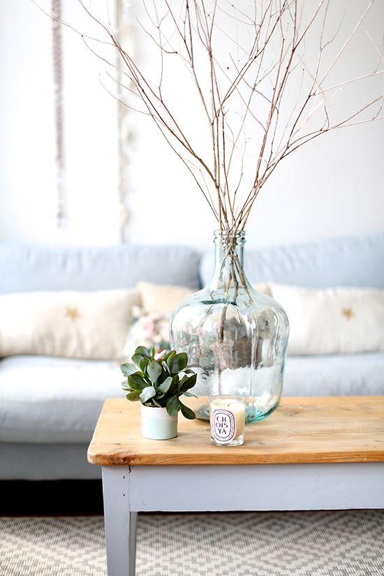 Salon lumineux décoration claire scandinave