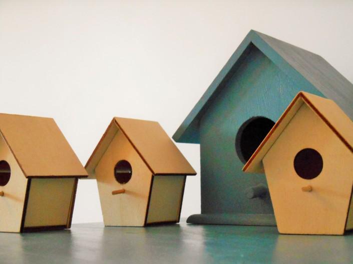 PEtites maisons en bois peintes
