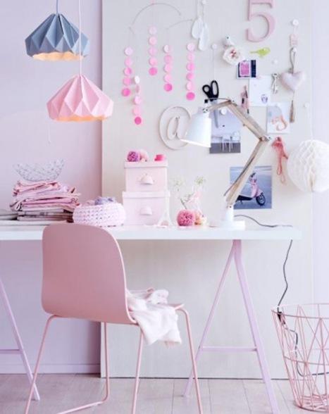 Douceur des teintes roses et blanches pour ce bureau - Vu sur La Parenthèse déco