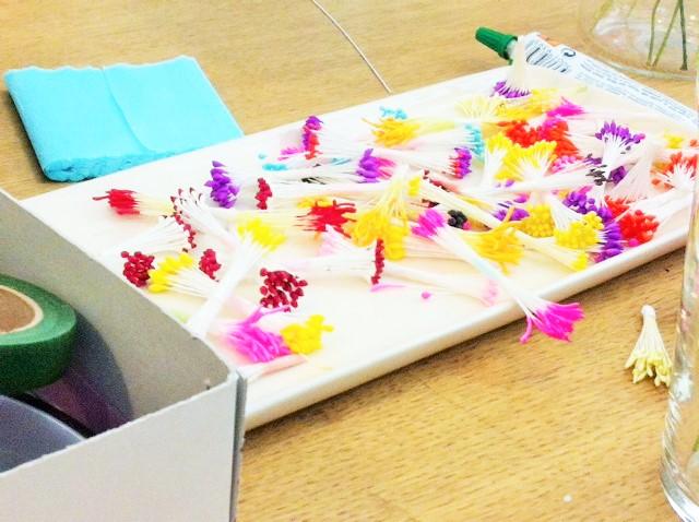 Atelier fleurs en crêpon Adeine Klam, vu sur La Parenthèse déco